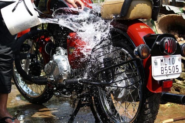 Mencuci Motor Dalam Keadaan Panas Akan Membuat Mesin Cepat Rusak